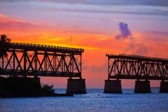 Florida stämmer gammal brosolnedgång på Bahia Honda arkivbilder
