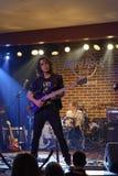 Florin Barbu en el escenario en Hard Rock Cafe Imagenes de archivo