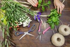 Florista en el trabajo Fotografía de archivo libre de regalías