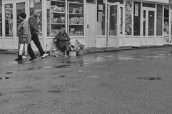 Florista en la calle Foto de archivo libre de regalías