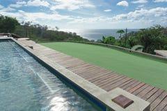 Floryda podwórze i pływacki basen na polu golfowym fotografia royalty free