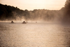 Floss im Nebel Lizenzfreie Stockfotos