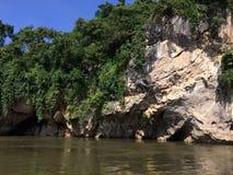 Floss- und Bootsausflug am Wasserfall Sai Yok Kanchanaburi Thailand lizenzfreies stockbild
