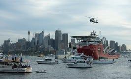 Flota de la marina de guerra en el puerto de Sydney. Foto de archivo