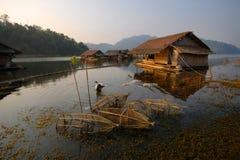 Flotación a casa por la mañana. Imagenes de archivo