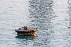 Flotación en el mar Imagen de archivo libre de regalías