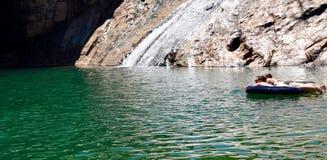 Flotación en Serpentine Falls Fotografía de archivo libre de regalías
