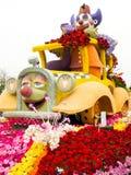 Flotador 2011 del desfile del tazón de fuente de Rose de los hospitales de Shriners Fotos de archivo libres de regalías