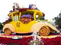 Flotador 2011 del desfile del tazón de fuente de Rose de los hospitales de Shriners Imagen de archivo