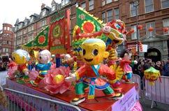 Flotador chino Londres del festival Foto de archivo
