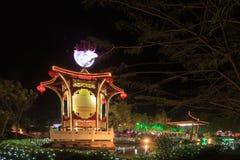 Flotador colorido durante la celebración china del Año Nuevo Imagenes de archivo