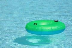 Flotador de la piscina Imagenes de archivo