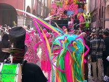 Flotador de Ribelli del carnaval del Cento Foto de archivo