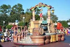 Flotador del desfile de Pinocchio en el mundo Orlando de Disney Foto de archivo