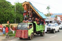 Flotador del desfile de Toraja - Sulawesi Selatan Fotos de archivo