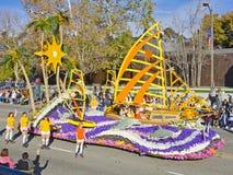 Flotador del desfile del tazón de fuente de Rose de la sierra Madre Foto de archivo libre de regalías