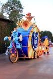 Flotador del desfile en la aventura de California de Disney Fotos de archivo
