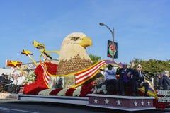 Flotador del estilo de Eagle de director Award en Rose Parade famosa Imagen de archivo