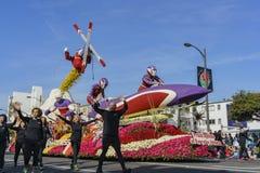 flotador del estilo de los deportes de la aptitud 24h en Rose Parade famosa Foto de archivo