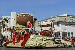 Flotador del fútbol de Georgia en Rose Parade famosa Foto de archivo