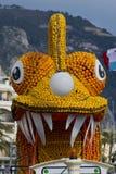 Flotador en el festival del limón de Menton Foto de archivo