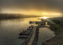 Flotador en el río Fotos de archivo libres de regalías
