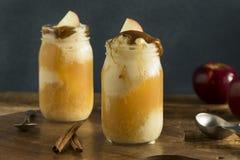 Flotador frío del helado de la sidra de Apple fotografía de archivo