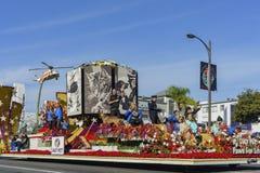 Flotador relacionado animal doméstico en Rose Parade famosa Foto de archivo libre de regalías