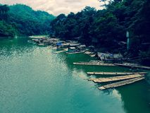 Flotadores del bambú Fotos de archivo libres de regalías