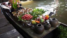 flottörhus marknad thailand Arkivbilder