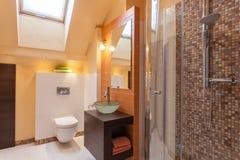 Flott hus - badruminre Arkivfoto