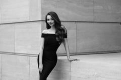 Flott stilfull flicka arkivfoto