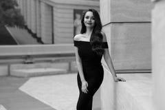 Flott stilfull flicka fotografering för bildbyråer