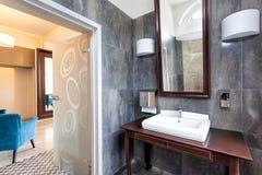 Flott toalett royaltyfri bild