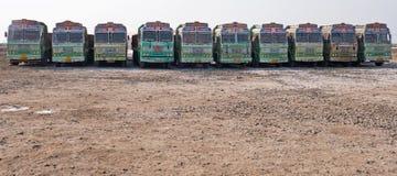Flotta av lastbilar i Gujarat Royaltyfri Fotografi