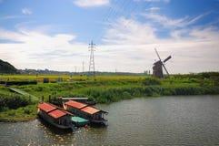 Flottement dans le fleuve Photographie stock libre de droits