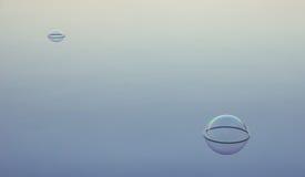 Flottement de deux bulles Photo libre de droits