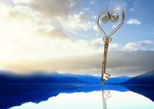 flottement principal du coeur 3D au-dessus du lac Photo libre de droits