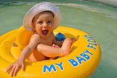 Flotteur de bébé garçon Photo stock