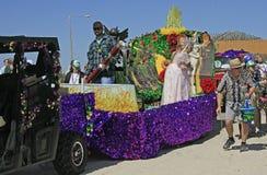 Flotteur de magicien d'Oz chez Mardi Gras Parade aux pieds nus Photo libre de droits