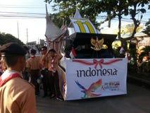 flotteur indonésien dans le festival kadayawan à davao images stock