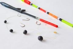 Flotteurs pour la pêche et les platines, ligne, crochet Images libres de droits