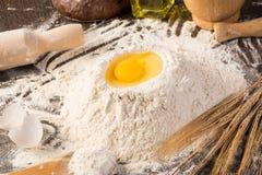 Flour, eggs, wheat still-life Royalty Free Stock Photography