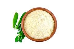 Flour o grão-de-bico ou a ervilha na bacia na parte superior foto de stock royalty free