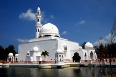 Free Flouting Mosque Royalty Free Stock Images - 4272759