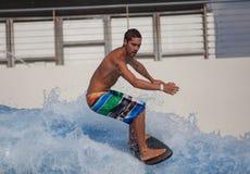 Flowboarding на доме Sentosa волны Стоковая Фотография RF