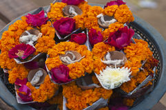 Flower basket and lamps. To be offered to the river ganga in prayer Stock Photography