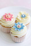 Flower cupcakes Royalty Free Stock Photos