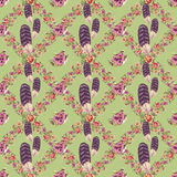 Flower and feather wreath seamless pattern with green background Stock Photography