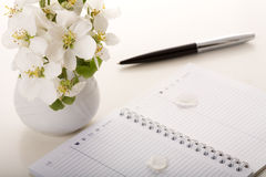 Flower on note book Royalty Free Stock Photography